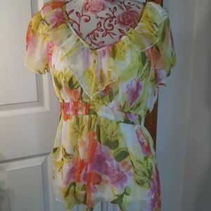 Nice ladies blouse spense large floral